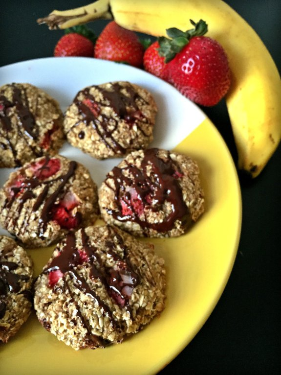 banana split breakfast cookies