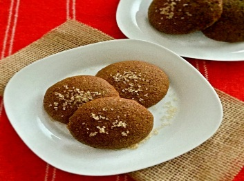 chewy gingerbread molasses cookies cropped
